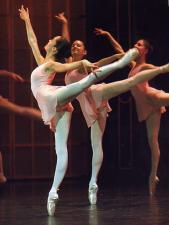 Amandine Albisson en seconde division de l'Ecole de danse de l'Opéra