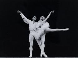 Avec Claude Bessy dans Suite en blanc