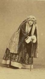 Louise Marquet dans le rôle d'Hamza