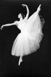 Francoise legrée dans Giselle (acte 2)