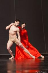 Dans Orphée et Eurydice de Pina Baush avec Marie-Agnès Gillot - Photographe : Agathe Poupeney