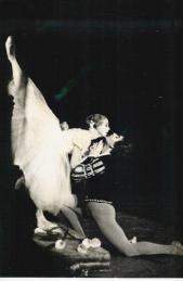 Christiane Vlassi et Attilio Labis dans Giselle (acte 2)