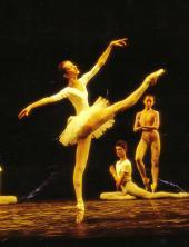 Agnès Letestu à l'école de danse (photographe inconnu)